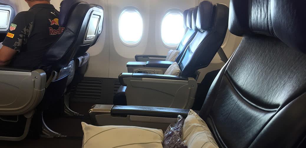 Flight Review: Malaysia Airlines 737 Business Class KUL – BKK