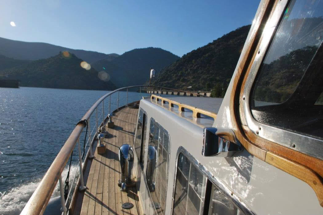 Pipadouro: Vintage, Luxury Wine Cruises in The Douro Valley, Portugal