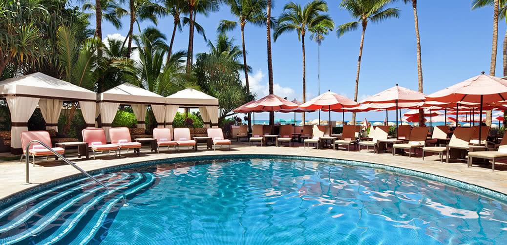 Best Bonvoy Hotel In Waikiki Royal Hawaiian Vs Westin Moana