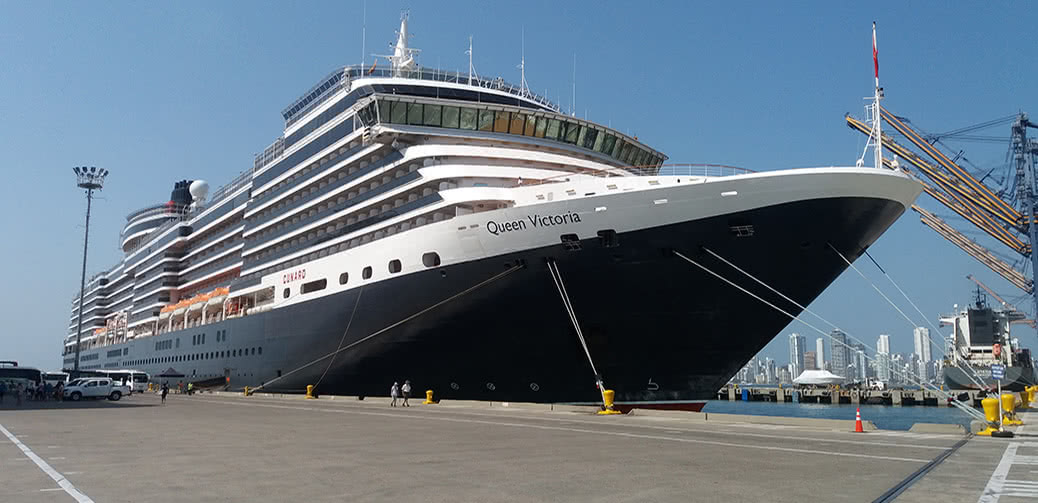 Cunard Queen Victoria Vs P&O Cruises Aurora: Which Ship Is Best?