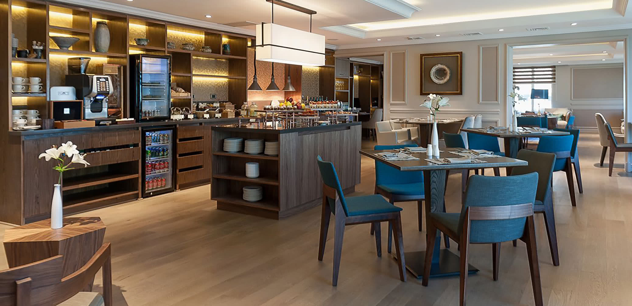 Best Hotel Executive Club Lounges In Santiago, Chile