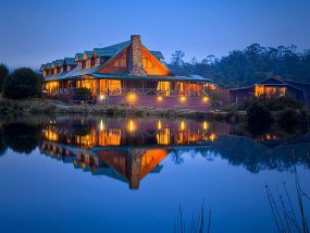4 Nights At Peppers Cradle Mountain Lodge In Tasmania