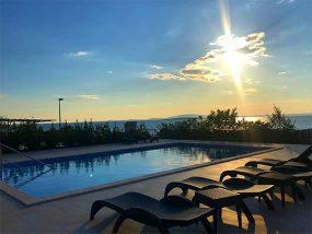 7 Nights For 4 People At Villa Ruzmarin Lun In Croatia