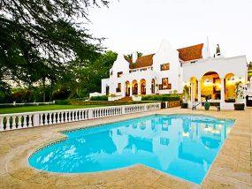 2 Nights For 8 Ppl At Le Grand Jardin, Stellenbosch, South Africa